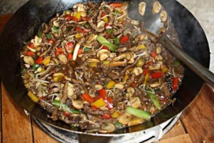 Rindfleisch mit Pilze aus dem Wok - Rezept