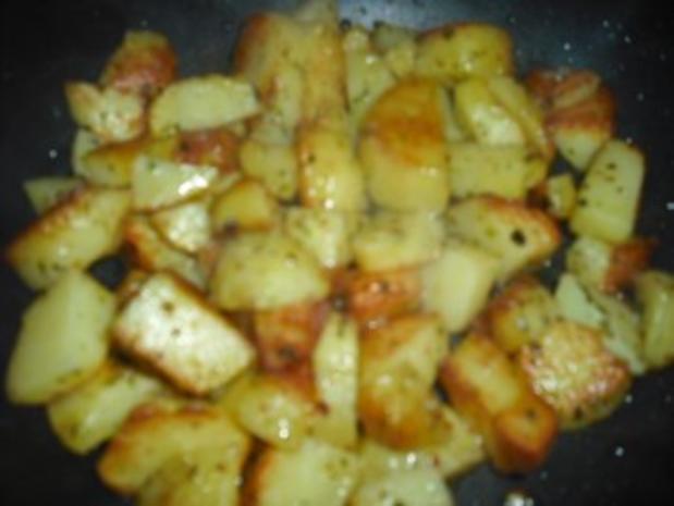 Minutensteak's mit Zwiebel-Sahne Soße & Röstkartoffeln - Rezept - Bild Nr. 4