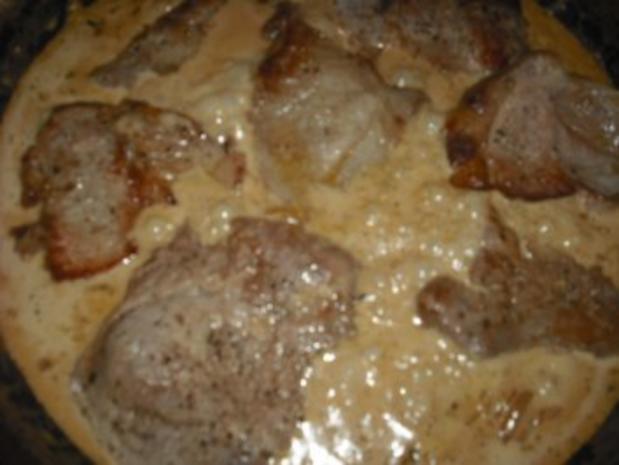 Minutensteak's mit Zwiebel-Sahne Soße & Röstkartoffeln - Rezept - Bild Nr. 2