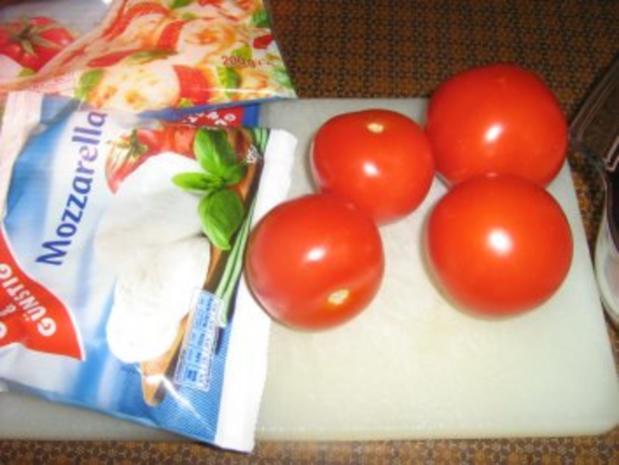 Putenschnitzelchen unter einer Tomaten-Mozzarella-Kruste - Rezept - Bild Nr. 3
