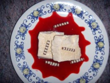 Zimtparfait auf Himbeerspiegel - Rezept