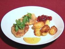 Schnitzel mit Bratkartoffeln und Preiselbeeren (Thorsten Nindel) - Rezept