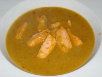Steckrüben-Cremesuppe mit Lachsstreifen - Rezept