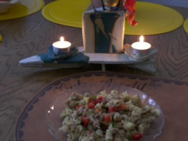 Nudelsalat mit Fisch - Rezept