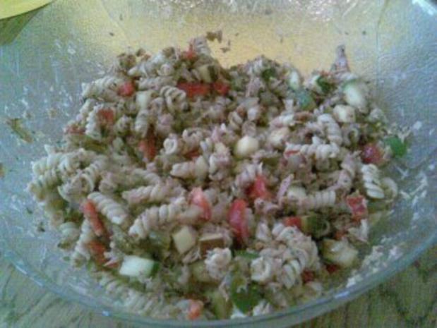 Nudelsalat mit Fisch - Rezept - Bild Nr. 5