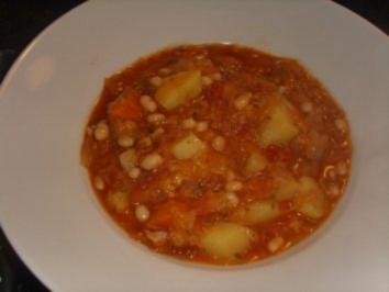 Eintöpfe: Scharfe Sauerkraut-Kabanossi-suppe - Rezept