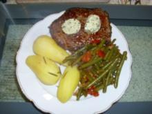Pfeffersteak mit Bohnengemüse und Kartoffeln - Rezept