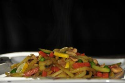 Udon Nudeln mit Gemüse - Rezept