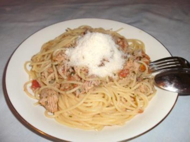 Spaghetti mit Thunfischsoße - Rezept