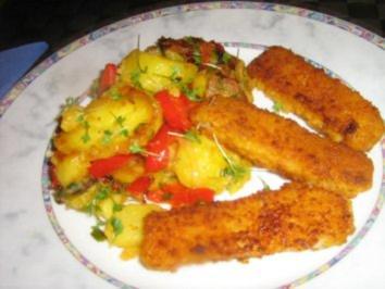 Bratkartoffelpfanne mit Paprika und Fischstäbchen - Rezept