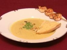 Currycrème-Süppchen mit gegrillten Garnelen-Spießen (Leo Bartsch) - Rezept