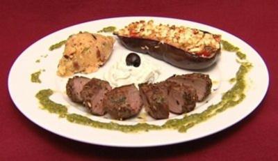 Lammlende auf orientalischem Kartoffelpüree an gefüllten Auberginen (Leo Bartsch) - Rezept
