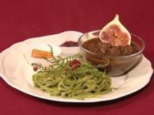 Elchgulasch mit Wald-Tagliatelle und Grossenasper Wild-Preiselbeeren (Charlotte Karlinder) - Rezept