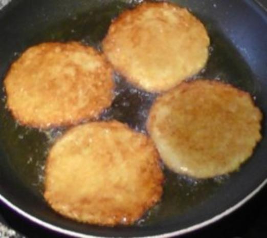 Kartoffelpuffer mit Lachs und Honig-Senf Schmand - Rezept - Bild Nr. 4