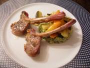Zicklein-Kotlett mit Bärlauchpolenta und Paprika-Zucchini-Fenchel-Gemüse - Rezept