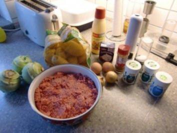 Frikadellen auf Kohlrabi Gemüse und Kartoffelnrösti - Rezept