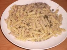 Spirelli mit Thunfisch, Anchovis und Kapern - Rezept