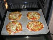 Pizza mit Zucchetti und Schinken - Rezept