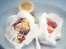 Spaghettini mit Calamaretti in Pergament - Rezept