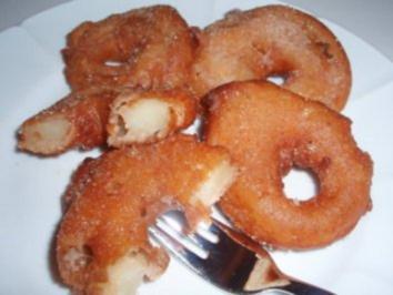 Dessert: Apfelringe im Nussteig - Rezept