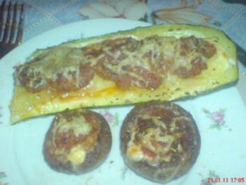 Champignons und Zucchini gefüllt überbacken - Rezept