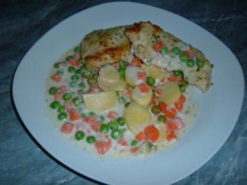 Geflügel : Pute mit Gemüse und Kartoffeln in Käsesoße - Rezept