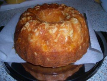 Aprikosen - Quark - Gugelhupf - Rezept