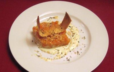 Apfel-Lachstatar auf Wasabi-Creme mit Parmesan-Fladenbrotstreifen - Rezept
