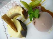 Dreifarbiges Schokoladenmoussetörtchen mit Rotwein- Butter- Eis - Rezept