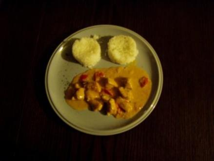 -Hauptmahlzeit- Hähnchen in Paprikarahm - Rezept