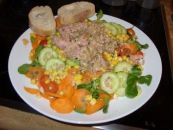 B: Salat mit Thunfisch - Rezept