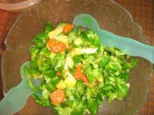 Feldsalat mit Kartoffel - Gemüse - Dressing - Rezept