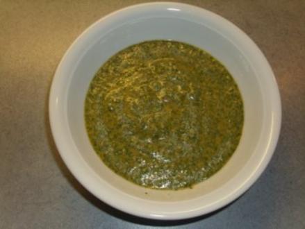 Sossen: Mojo Verde ( Kanarische Knoblauchsosse ) - Rezept
