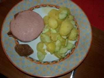 Kartoffelsalat lauwarm mit Fleischkäse - Rezept
