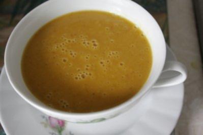 Kürbiscreme-Suppe mit Apfel - Rezept