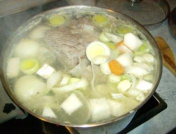 Fleischsuppe a la Moni - Rezept