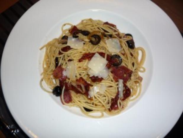 Südliche Spaghetti mit gebratener Pfeffersalami - Rezept - Bild Nr. 3