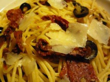 Rezept: Südliche Spaghetti mit gebratener Pfeffersalami