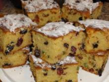 Blechkuchen mit Trockenfrüchten - Rezept