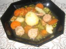 Suppen – klare Gemüsesuppe mit Miniknödel und Speck a'la Manfred - Rezept