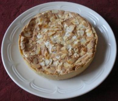 Kleiner Stachelbeer - Baiser - Kuchen - Rezept