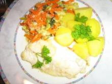 Kabeljaufilet  mit Kartöffelchen an Rahm-Wirsing-Karotten-Gemüse - Rezept