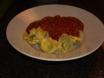 Rezept: Nudelgerichte: Tortellini Bolognese