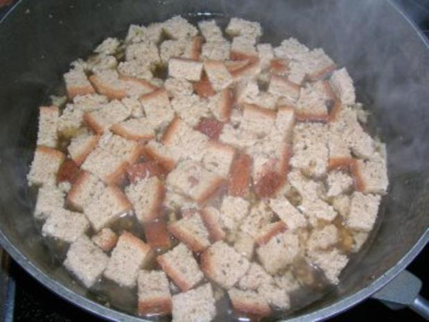 Hähnchen, gefüllt mit Maronen, Steinpilzen, Wurstbrät und gewürzt mit Trüffelöl (saulecker - Rezept - Bild Nr. 5