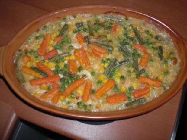 Nudelauflauf mit Hühnchen und Gemüse - Rezept