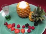 Gefüllte Baby-Ananas mit Champagner-Sorbet - Rezept