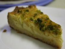 Kuchen: Williams-Christbirnen-Kuchen mit Sahnepudding und Pistazien - Rezept