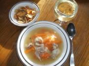 Suppe: Klachelsuppe mit Topinambur-Chips - Rezept