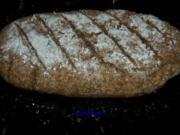 Backen: Roggenschrot-Brot (Sauerteig) - Rezept