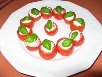 Tomaten mit Frischkäsefüllung - Rezept